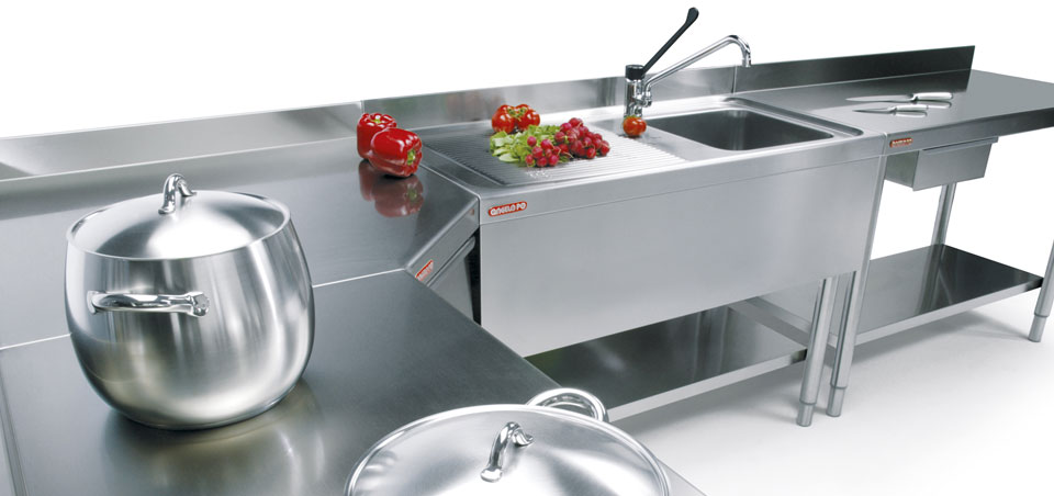 Tables, sinks, cupboards and complements