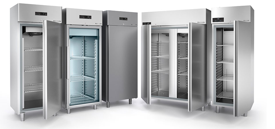 Refrigerated cabinets, bases and showcases